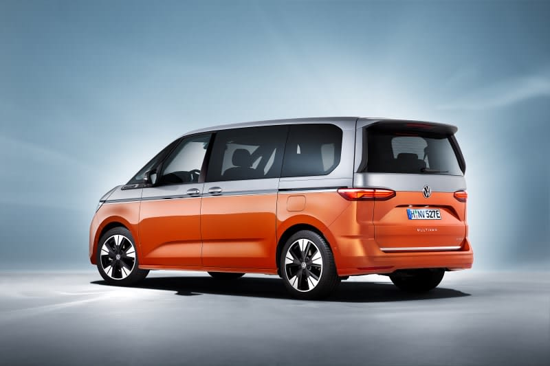 VW Multivan rear side view