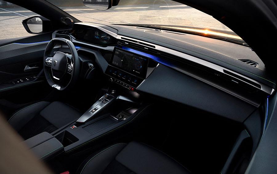 new Peugeot 308 SW estate interior