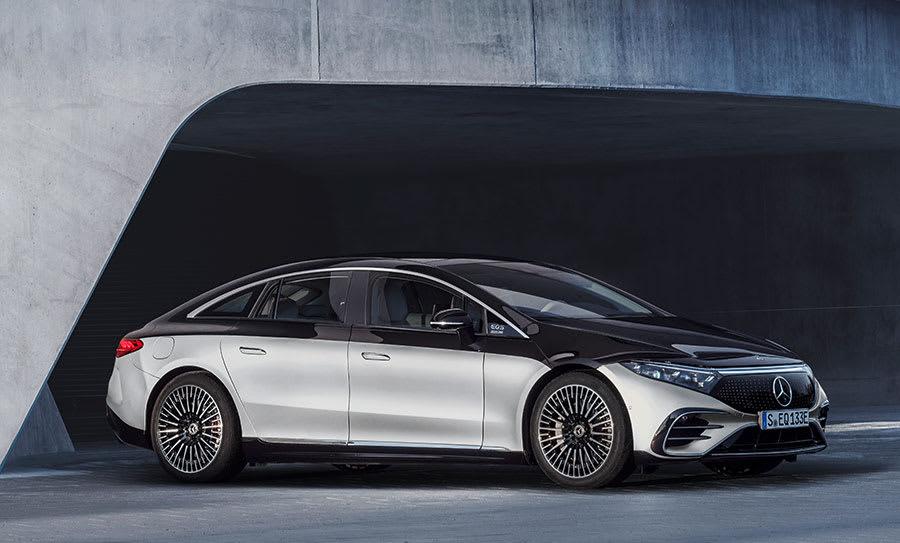 Flagship-Mercedes-Benz-EQS-4