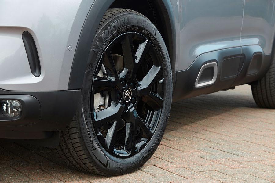 new-Black-Edition-Citroen-C5-Aircross-4
