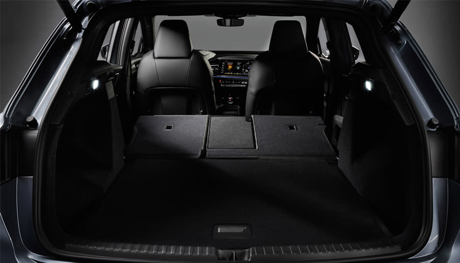 Q4 Etron Boot Space