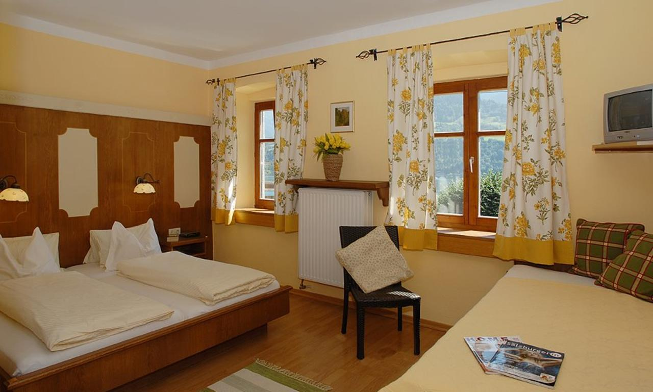 Hotel seehof zell am see austria ski holidays from for Living room zell am see