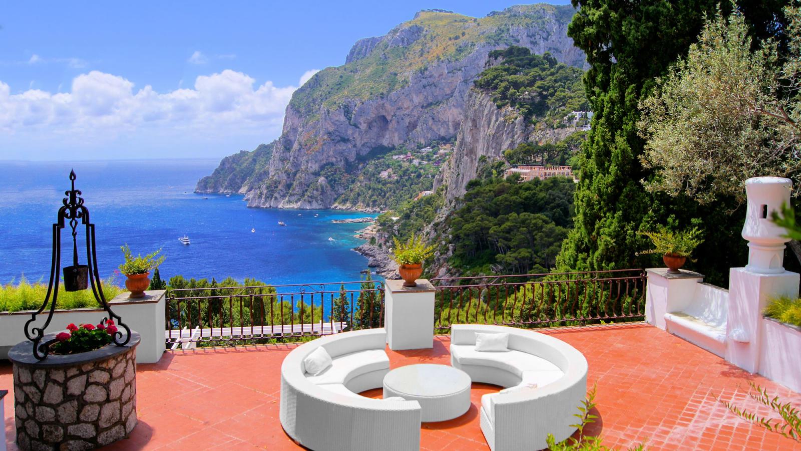Capri Holidays ... Flights To Vegas
