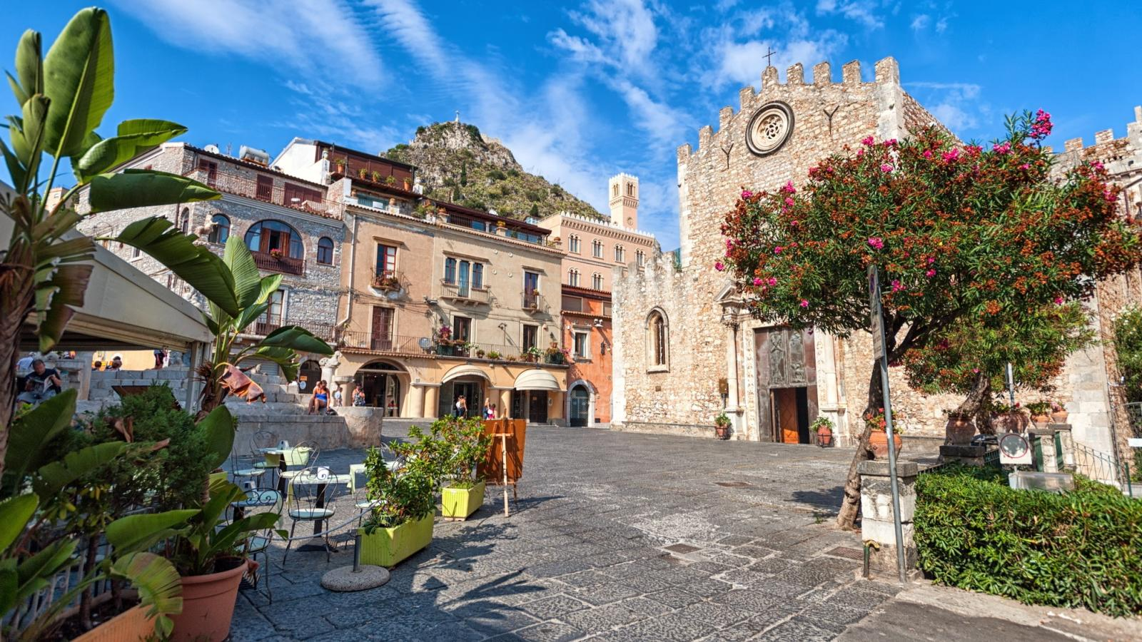Sicily holidays 2017 from topflight ireland 39 s italian for Taormina sicilia