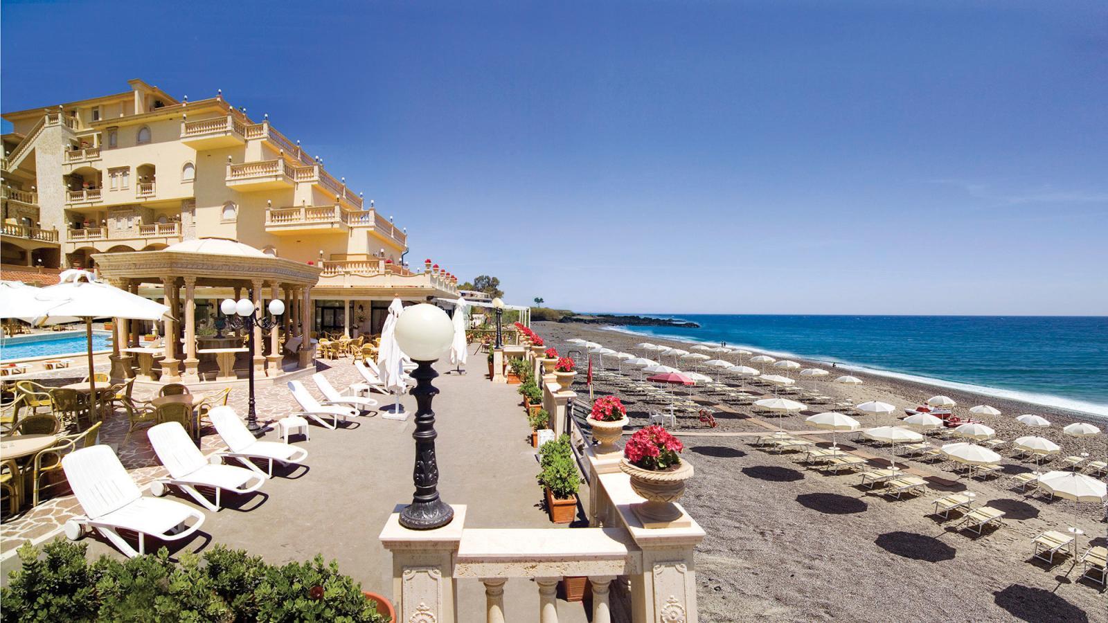 Giardini naxos holidays sicily holidays with topflight for Giardini naxos sicilia
