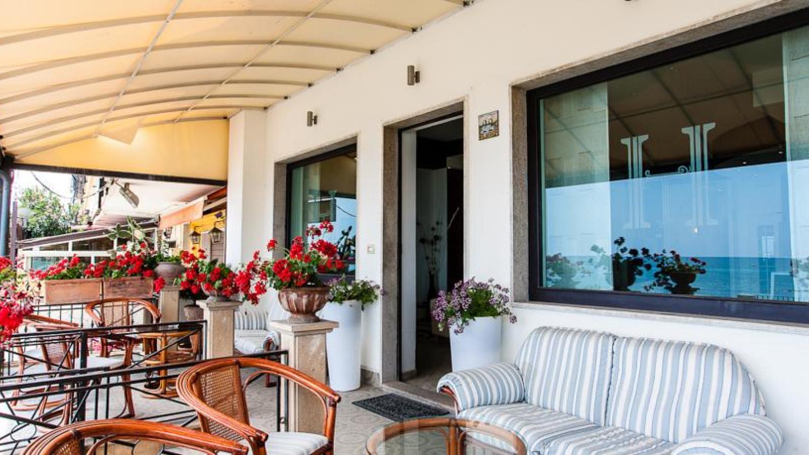 Hotel tysandros giardini naxos - Hotel ai giardini naxos ...