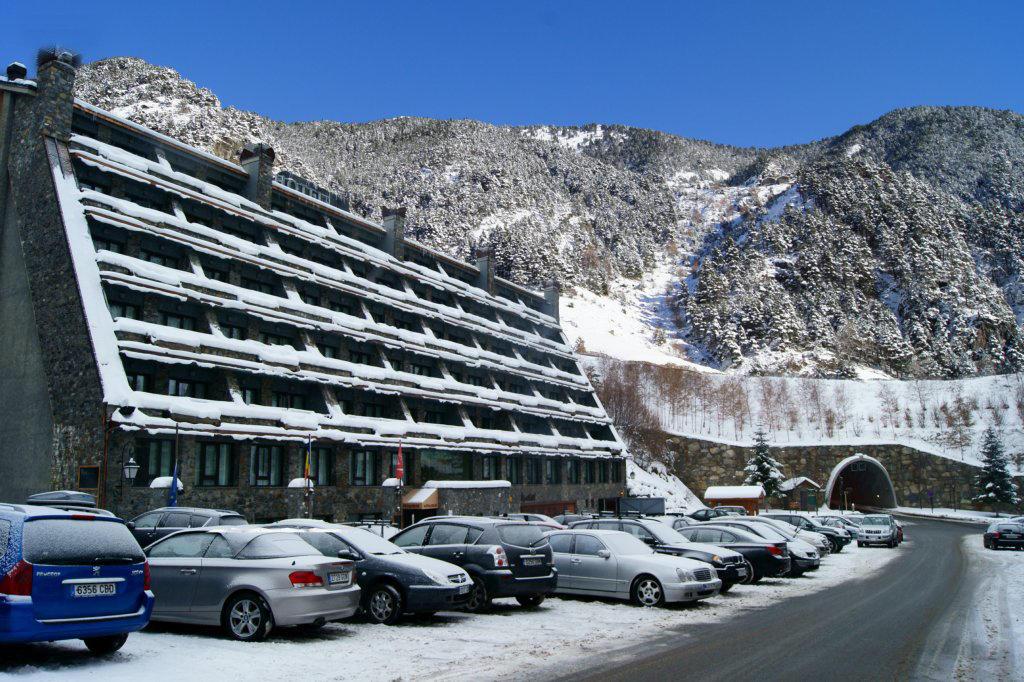 Arinsal Andorra  city photos gallery : Ski Andorra Arinsal & Pal Hotel Patagonia Ski Holidays 2015 2016