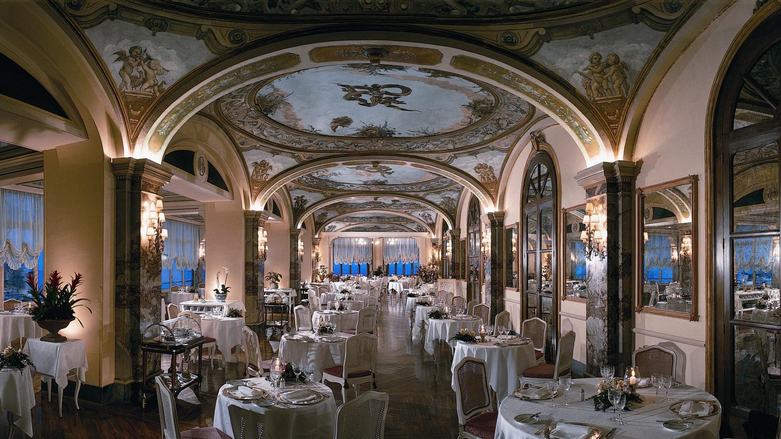 Grand hotel excelsior vittoria sorrento bay of naples for Terrazza vittoria sorrento
