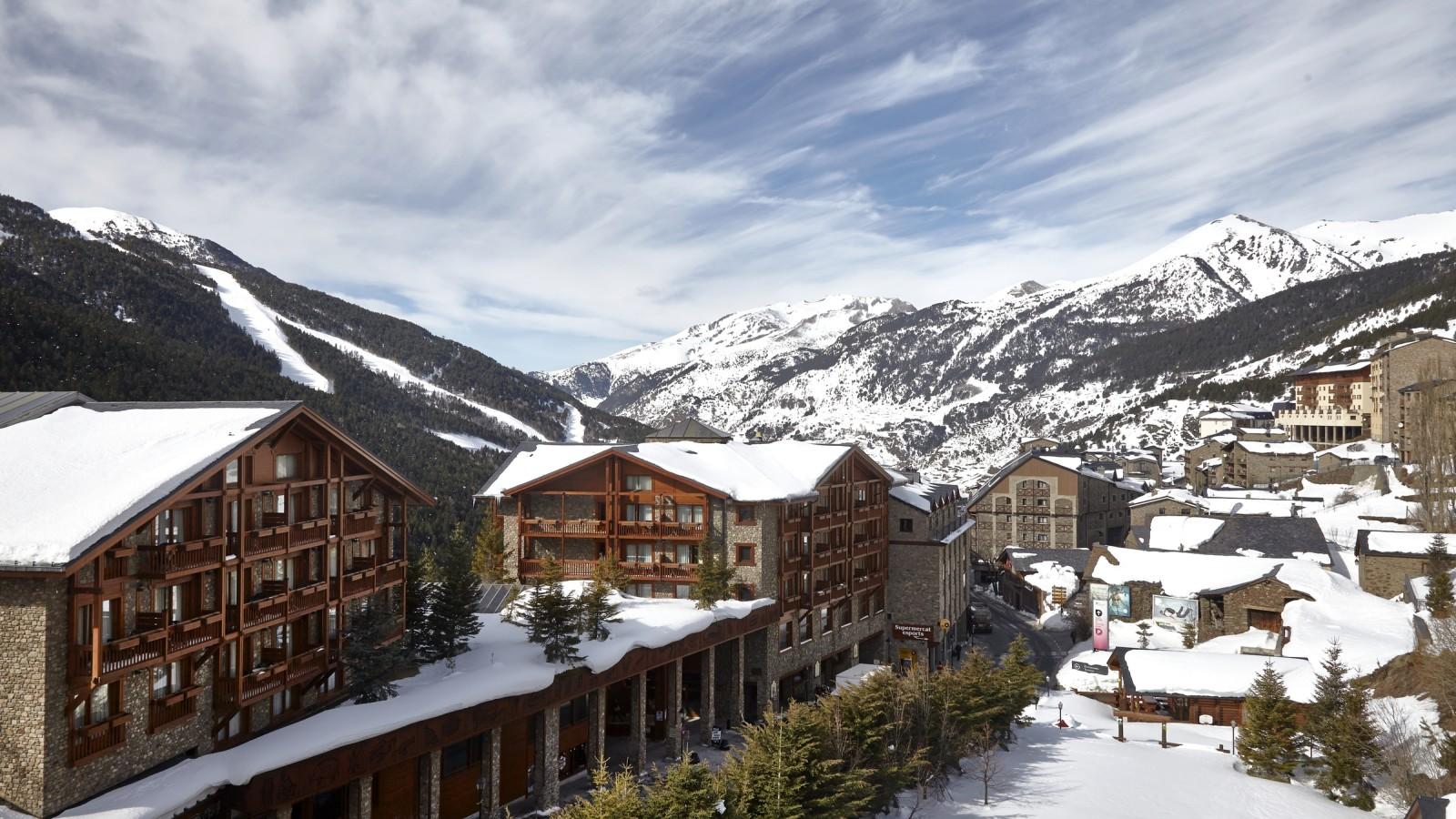 Soldeu Andorra  City pictures : Ski Andorra Soldeu & El Tarter Sport Hotel Village Ski Holidays ...