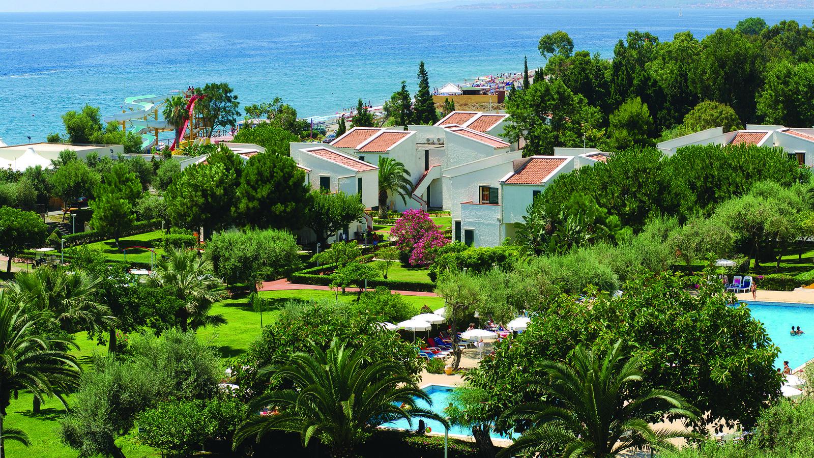 Naxos beach villette h b giardini naxos - Hotel la riva giardini naxos ...