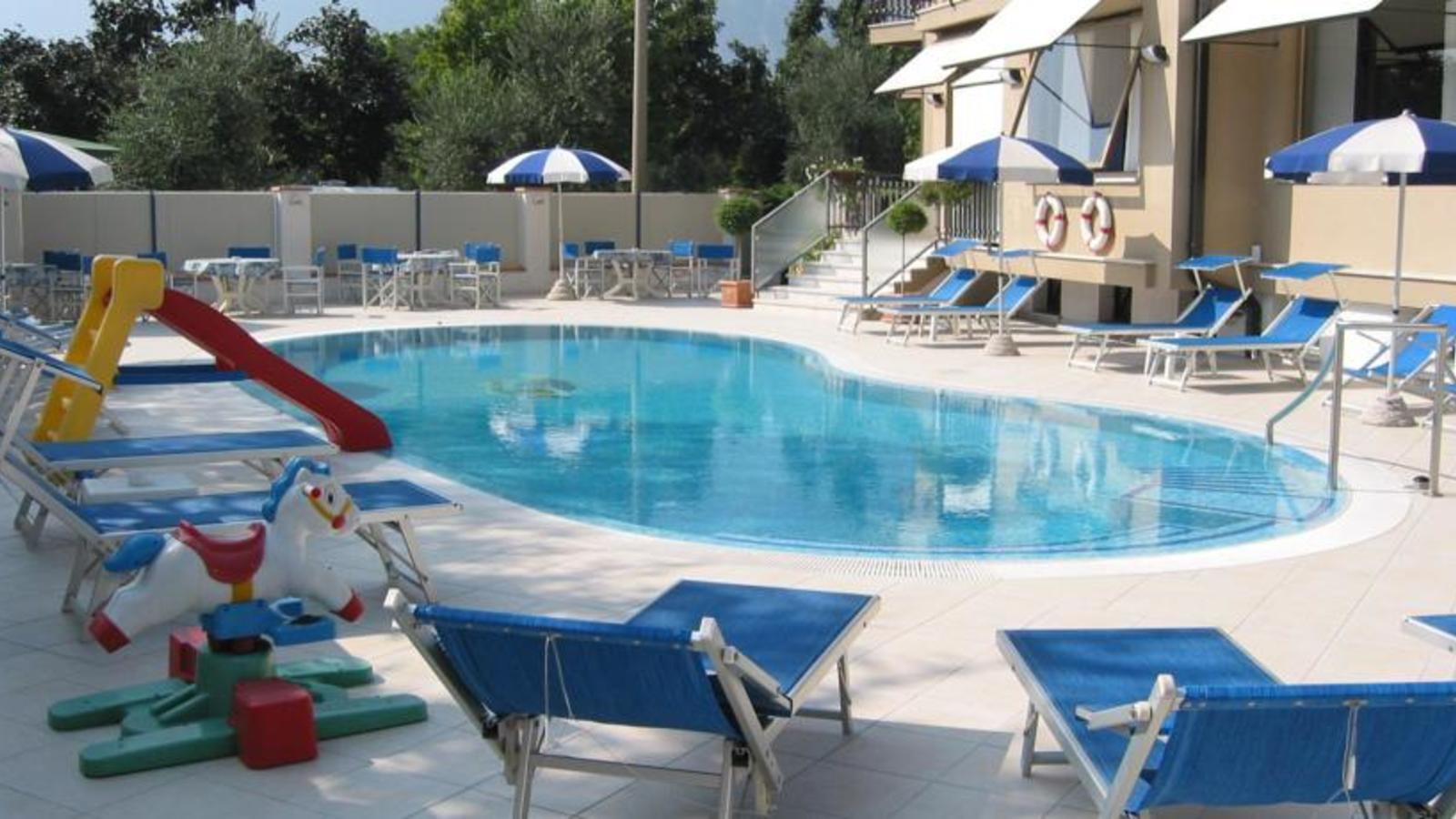Angelini hotel torbole topflight lake garda for Angelini arredamenti fasano
