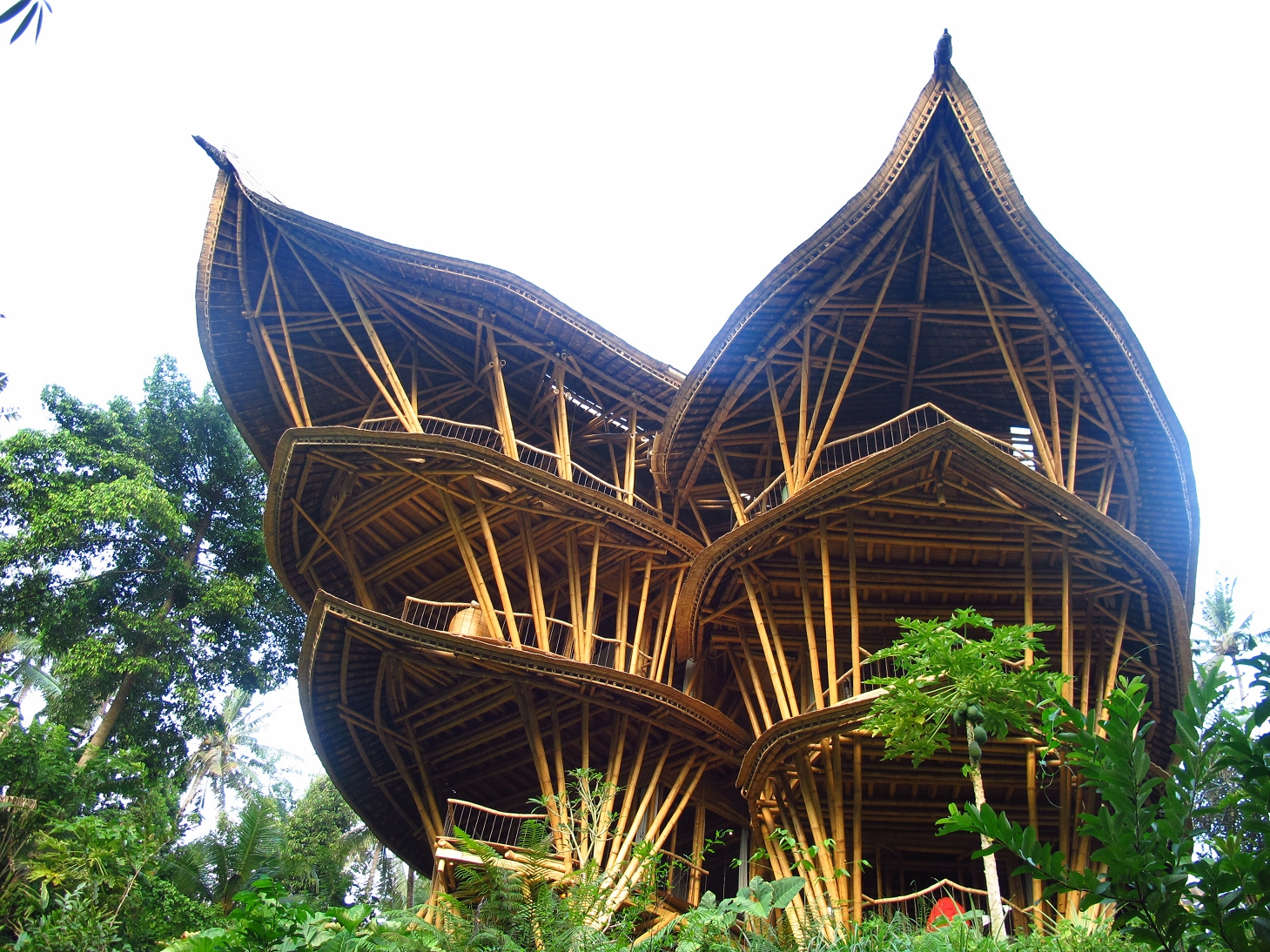 visit bali's famous bamboo mansions and design workshop - voyagin