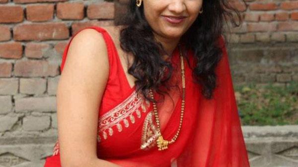 Housewife Escorts in Noida