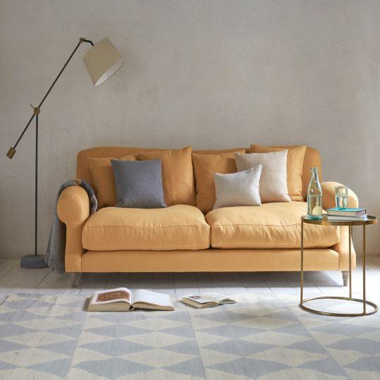 Cushion, Si Empuk dengan Motif Unik Pelengkap Sofa | SARAÈ Blog