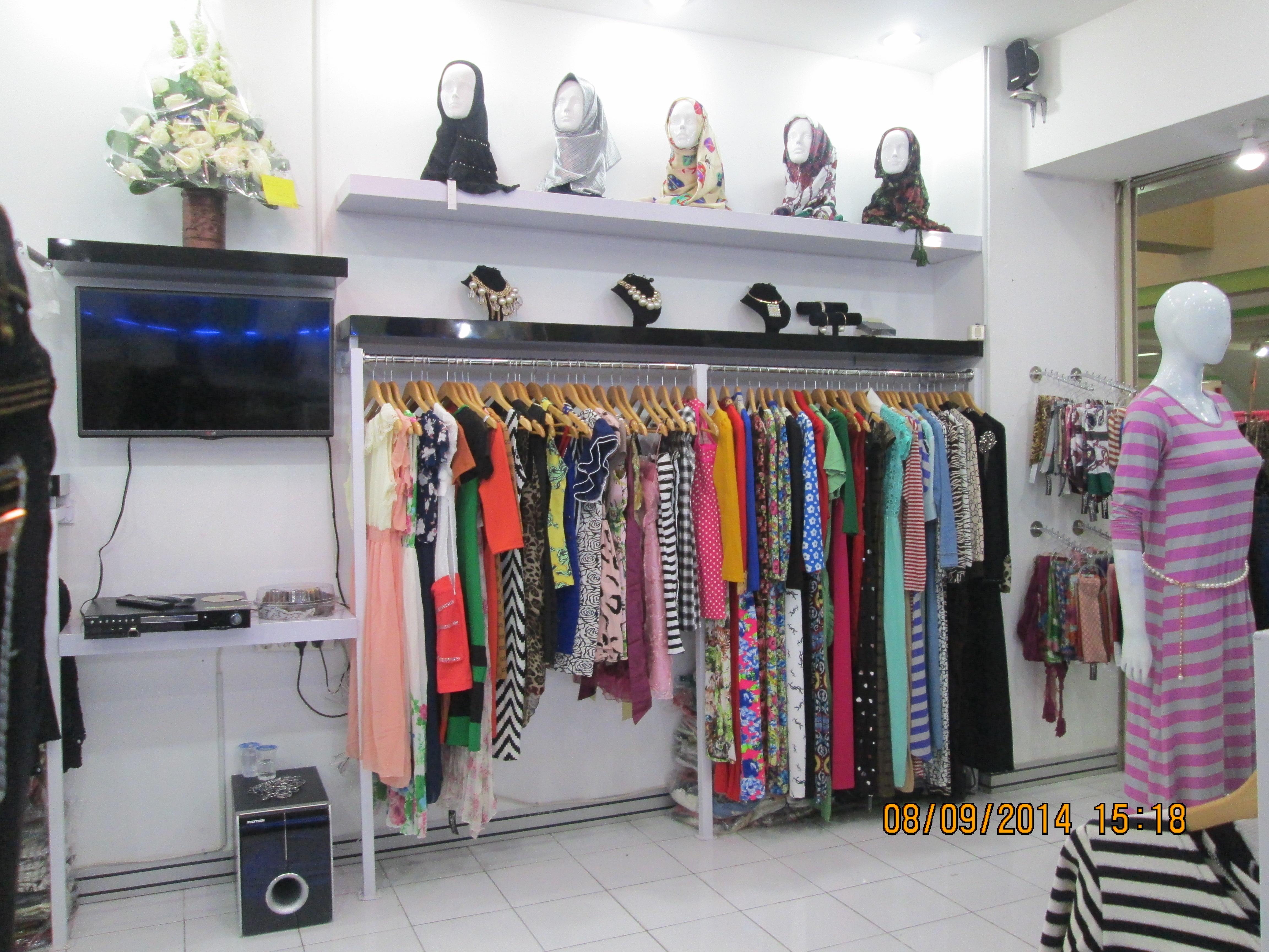 Boutique Display | SARAÈ