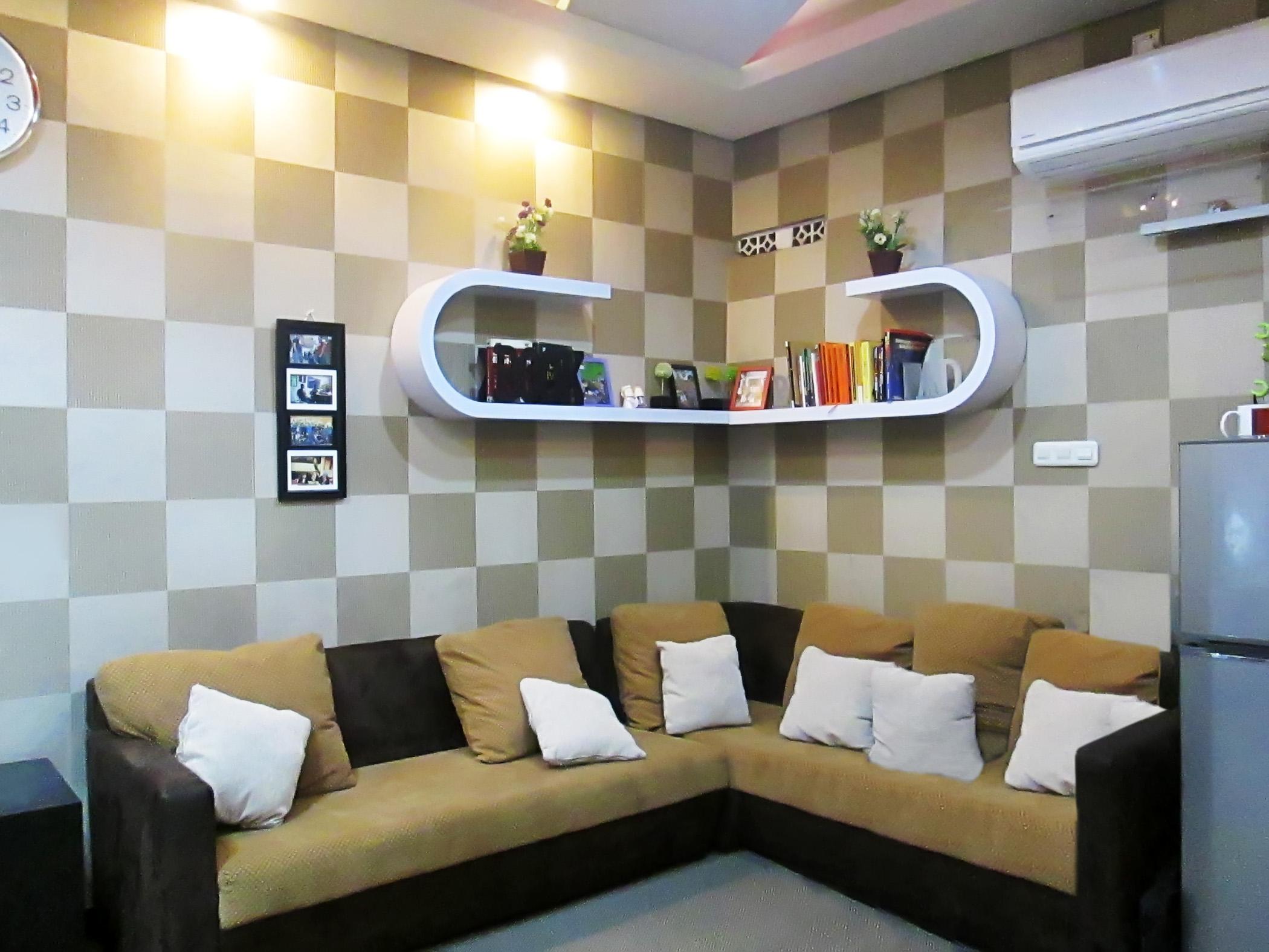 Sofa dan Ambalan Melengkung   SARAÈ
