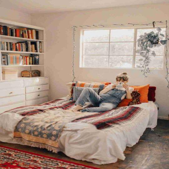 Cara Mendekor Kamar Tidur Less Budget ala Desain Masa Kini | SARAÈ Blog