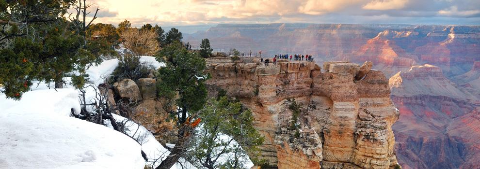 Snow falls at the Grand Canyon