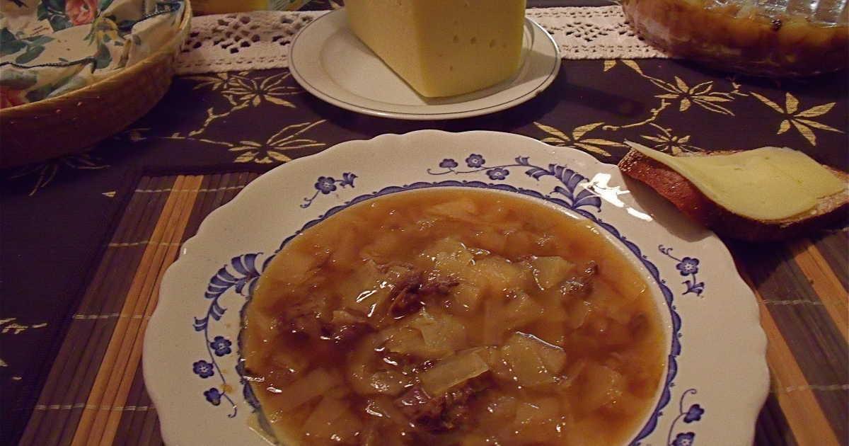 kålsoppa med frikadeller recept