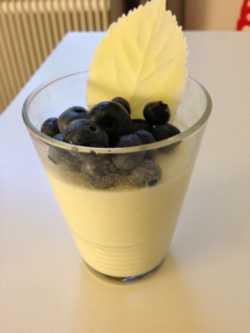 pannacotta blåbär vit choklad