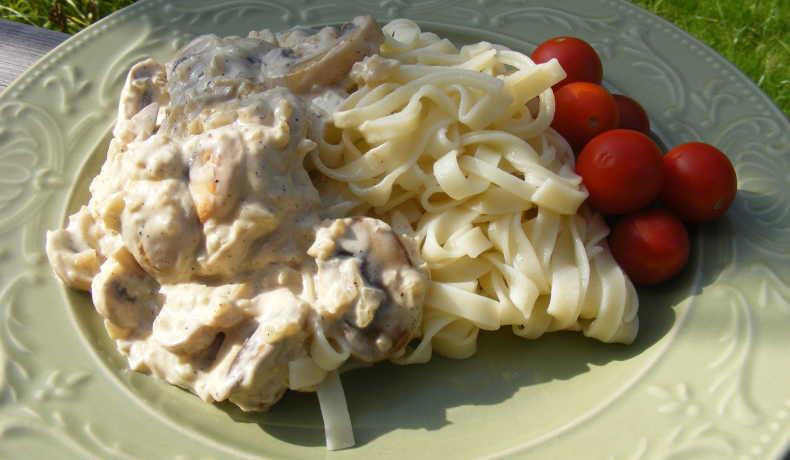 pasta och champinjonsås