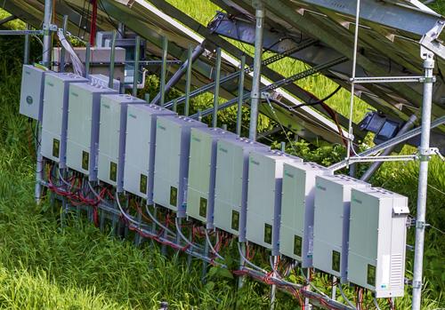 太陽光発電 パワコン設置写真