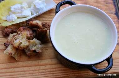 Soupe d'endives au chèvre frais