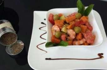 Salade vitaminée (patate douce, tomate, crevette et avocat)