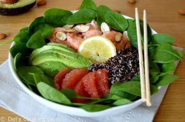 Salade de quinoa au saumon et à l'avocat, vinaigrette au pamplemousse