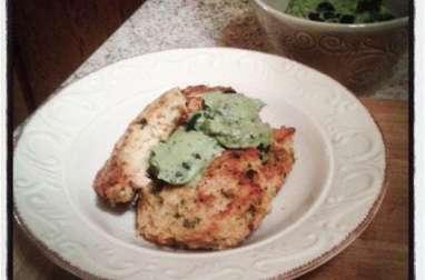 Croquettes de purée aux algues aux épinards et à la truite, salsa verde à la spiruline
