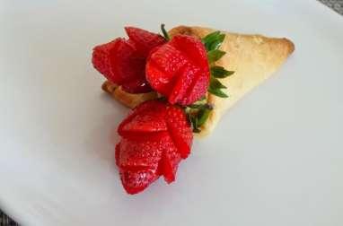 Tartelettes aux fraises et lemon curd (crème de citron) en bouquet de roses