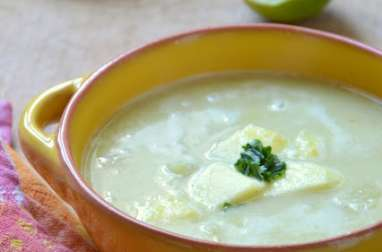 Soupe de Pois cassés aux Pommes vertes, Cumin et Lait de coco