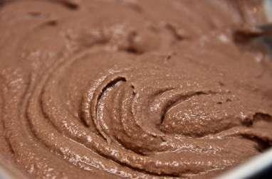 Crème au chocolat et macarons, à l'ancienne