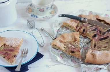 Tarte Rustique Compotée aux Pommes et à la Rhubarbe