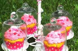 Cupcakes aux fraises et à la rose