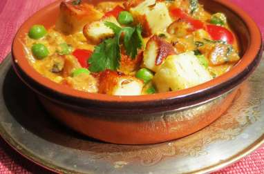 Matar paneer: Fromage Indien, cuisiné aux petits pois et légumes