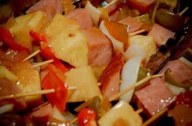 Brochettes dinde, ananas au curry et riz à la plancha ou au barbecue