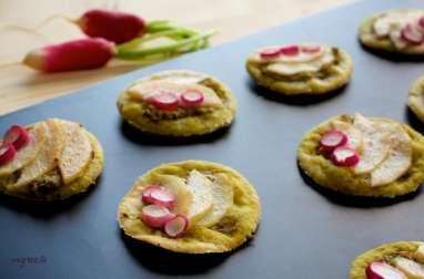Tartelettes apéritives aux radis et à la poire (vegan)