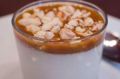 Panna cotta au lait d'amande et au caramel au beurre salé