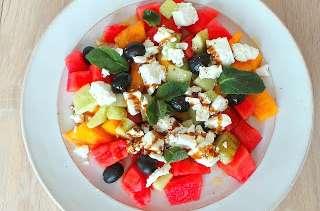 Salade composée à la pastèque, melon et feta