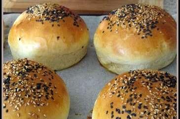 Buns ou petits pains à hamburgers