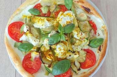 Tarte légère au fromage blanc, courgettes, avocats et tomates
