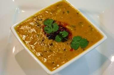 Ragoût de lentilles aux épices indiennes, dal, vegan (Inde)