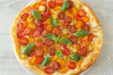 Tarte aux tomates cerise multicolores et au chèvre