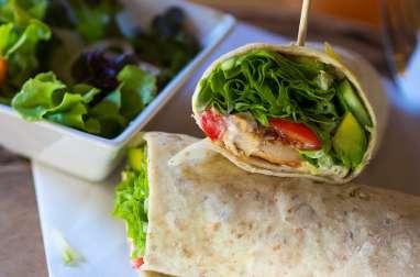 Salade composée au poulet fumé et aux avocats (Hollande)
