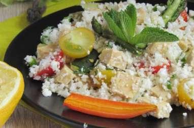 Taboulé de chou-fleur au tempeh et légumes de saison