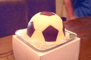 Gâteau ballon de foot au chocolat