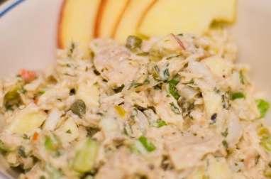 Salade de riz aux maquereaux et aux légumes (Lituanie)