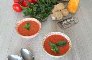 Soupe froide de tomates, melon et pastèque à la menthe façon gaspacho