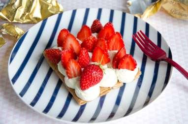 Tarte aux fraises et aux crêpes dentelle {Nathalie Beauvais}